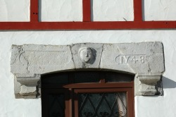 "Cagot ""head"" on doorway"